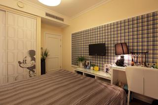 120㎡现代简约三居装修电视墙纸图片