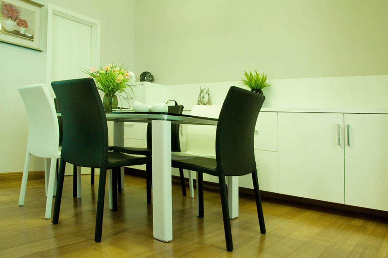 现代简约风格三居餐边柜图片