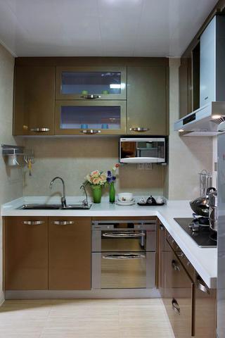 90平现代简约三居装修厨房布局图