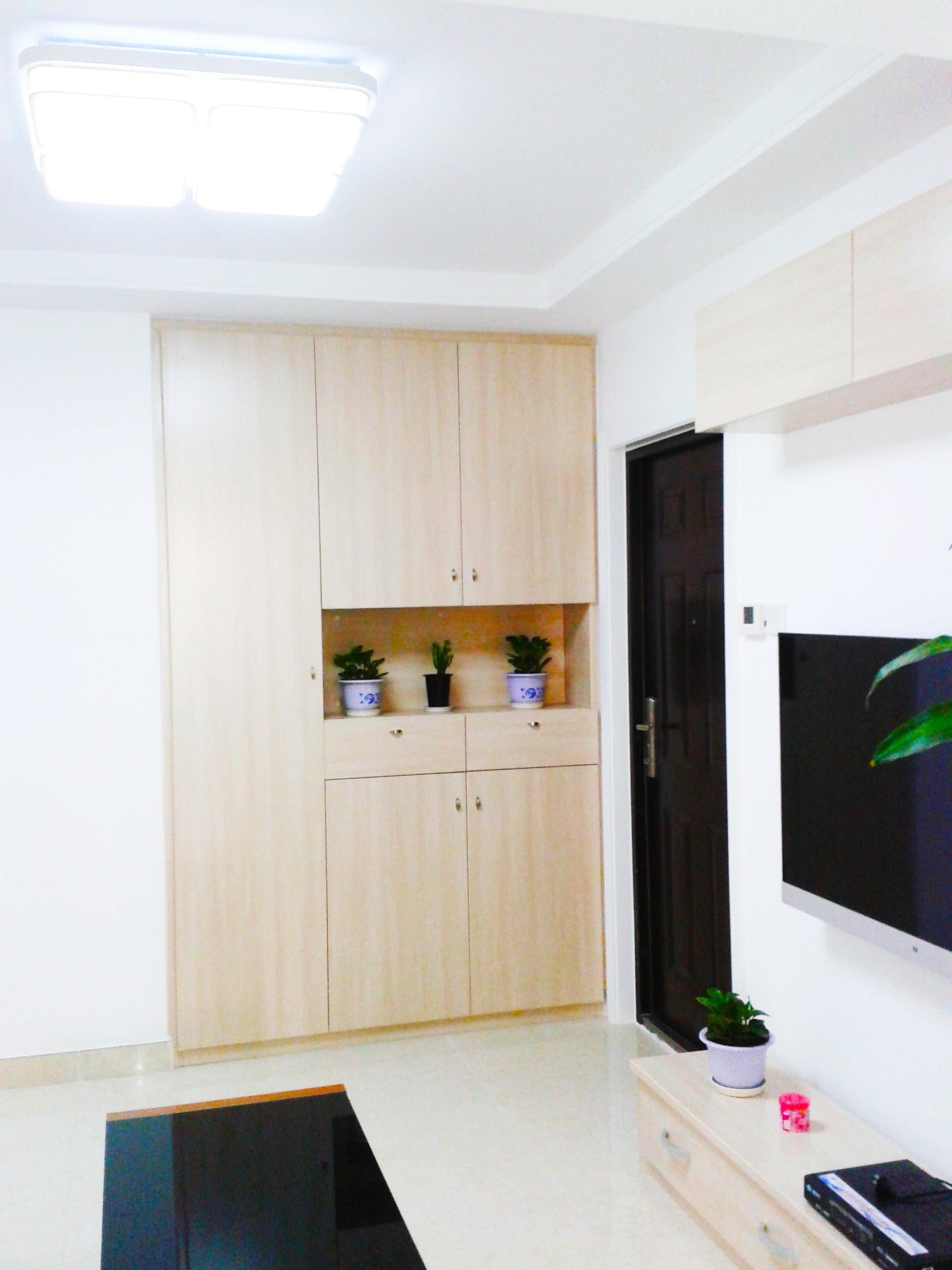 40平小户型简约装修门厅设计