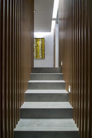 现代简约样板房装修楼梯设计