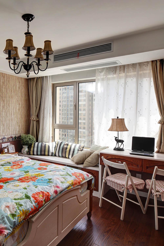 75平田园风格家卧室飘窗设计