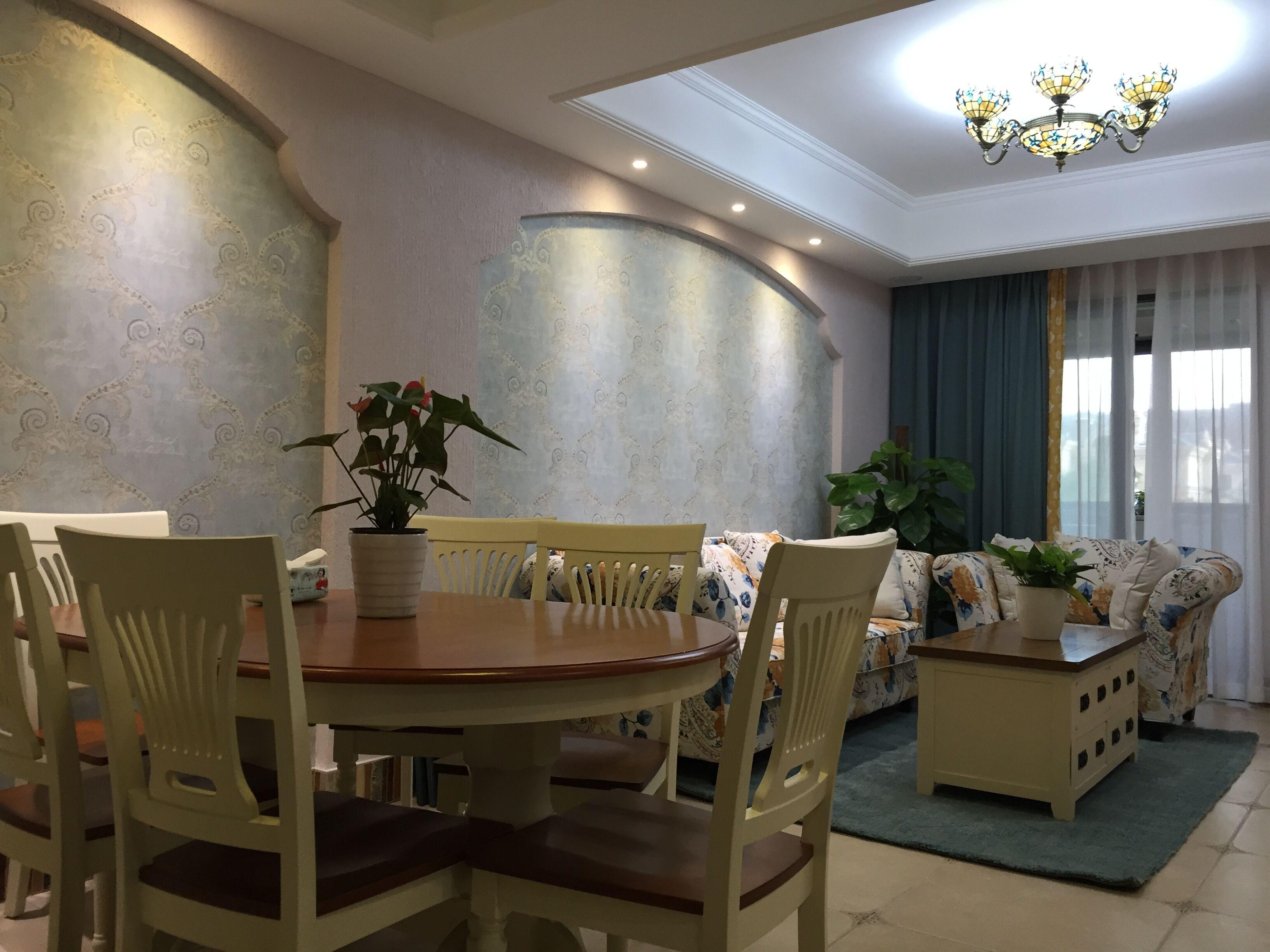 110平田园美式家装修餐厅布置图