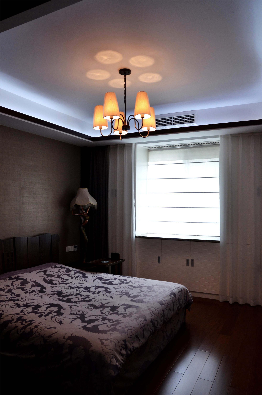中式风装修卧室布置图