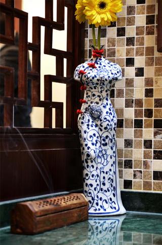 中式风装修玄关装饰摆件
