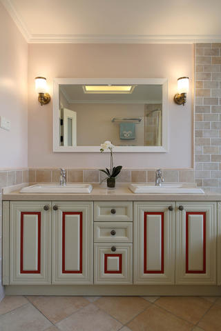 170平美式风格装修浴室柜设计