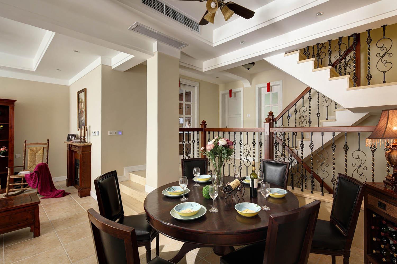 美式风格别墅设计餐桌图片