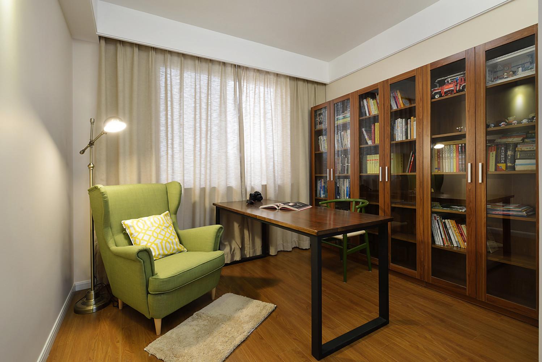 四居室简约装修书房效果图