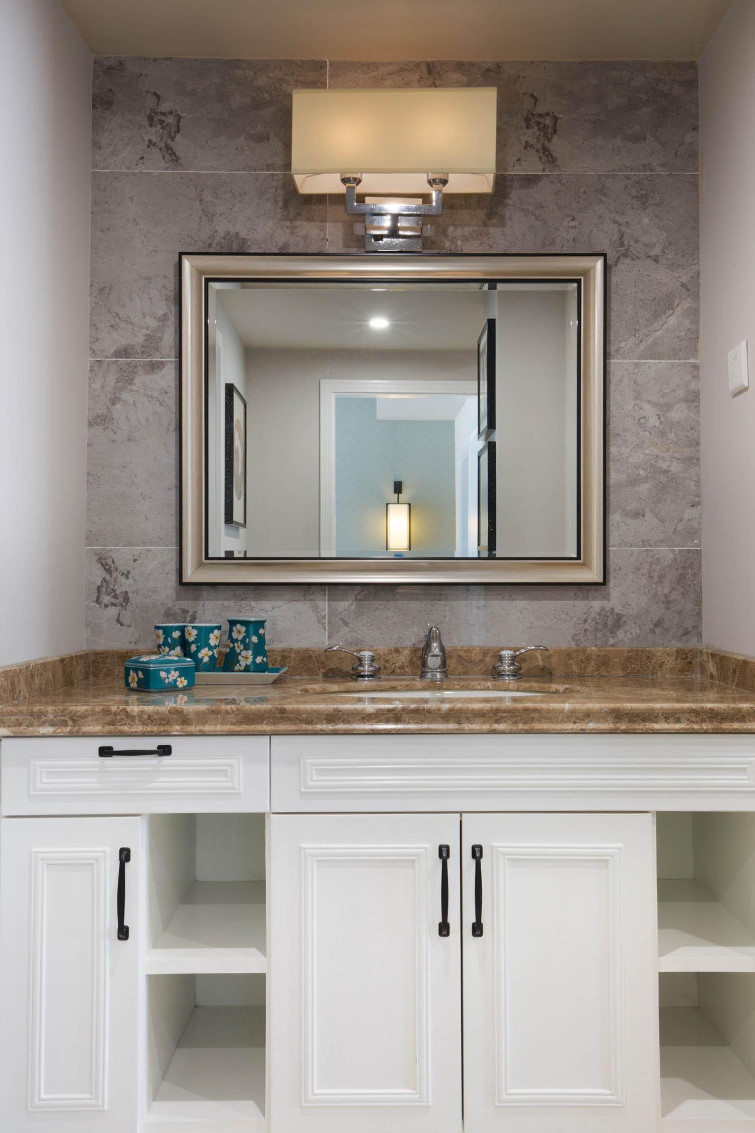 新中式装修浴室柜图片