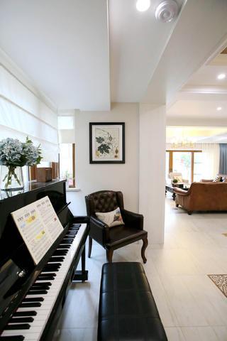 混搭别墅装修钢琴区