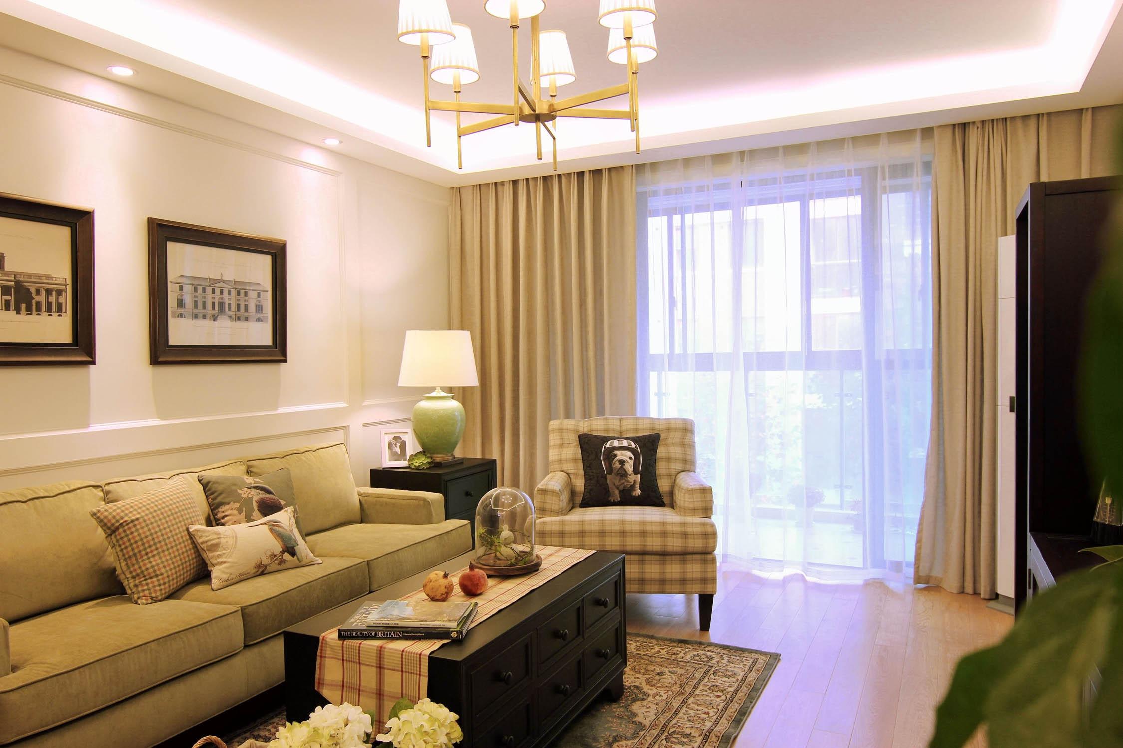 110平三居室装修客厅搭配图