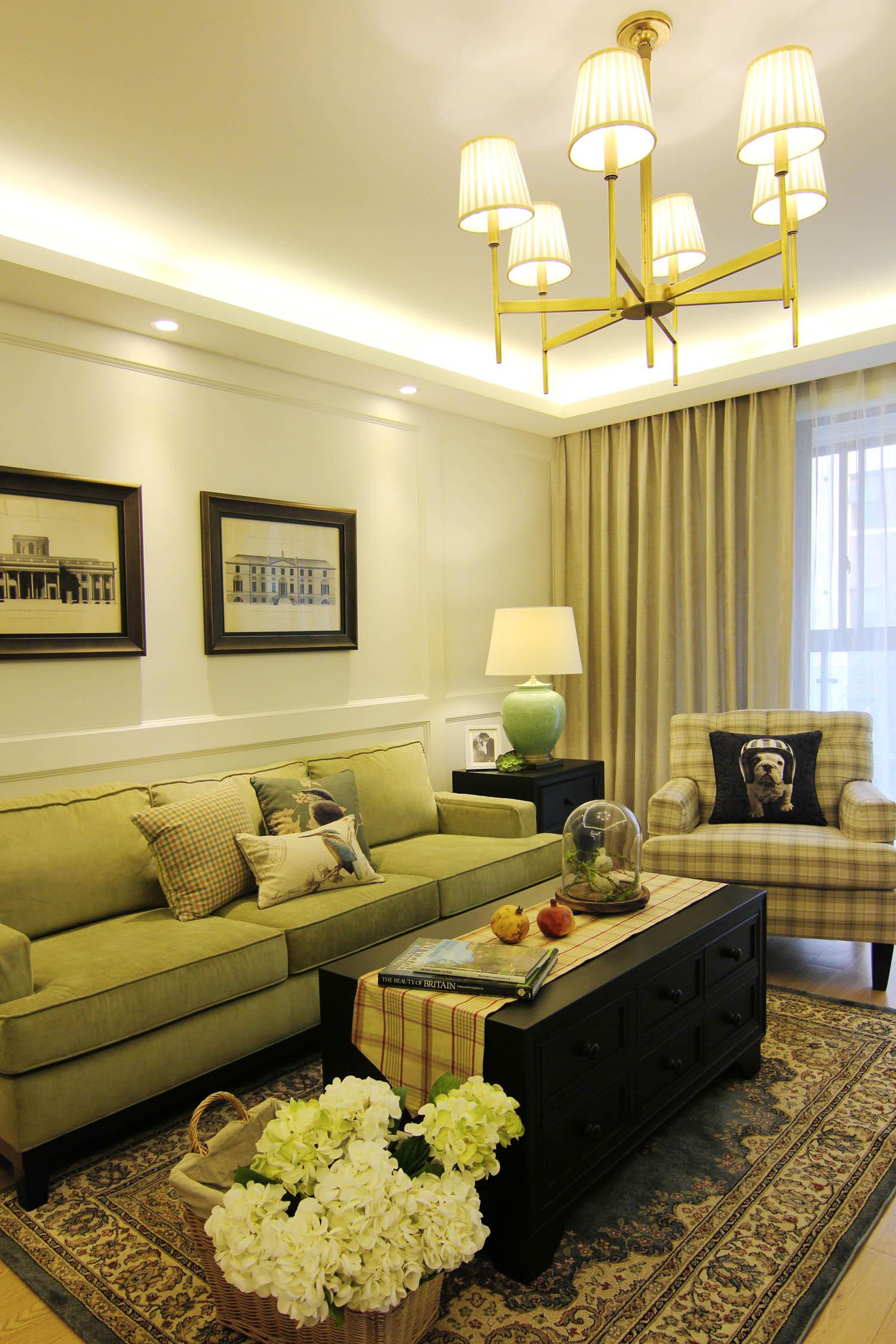 110平三居室装修沙发背景墙图片