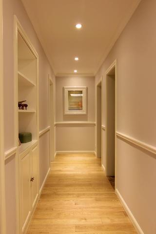 110平三居室装修走廊设计