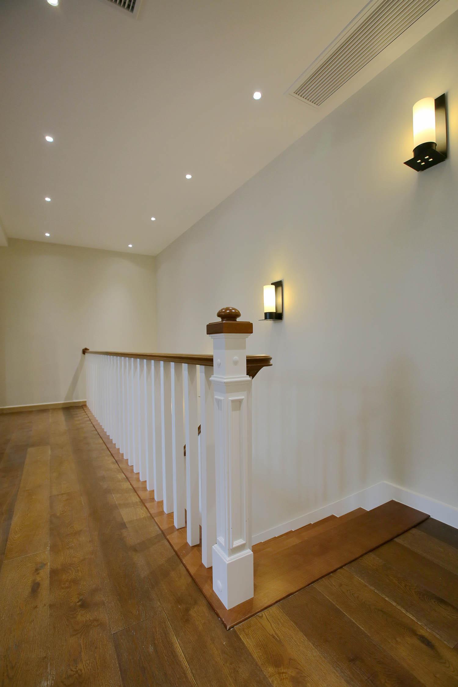 复式别墅装修楼梯走道