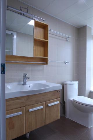 100平日式风格家浴室柜设计