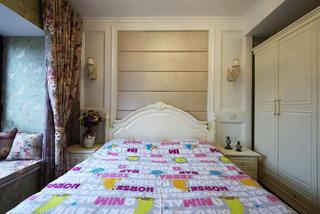 二居室混搭装修床头软包设计