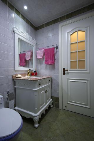 二居室混搭装修卫生间实景图
