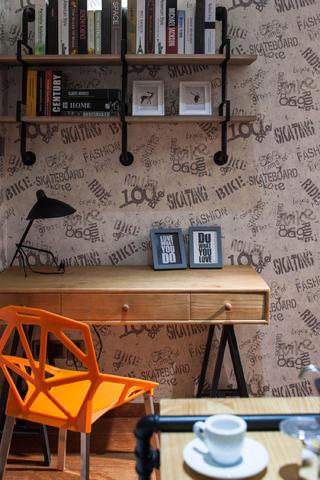 70平二居装修书桌图片