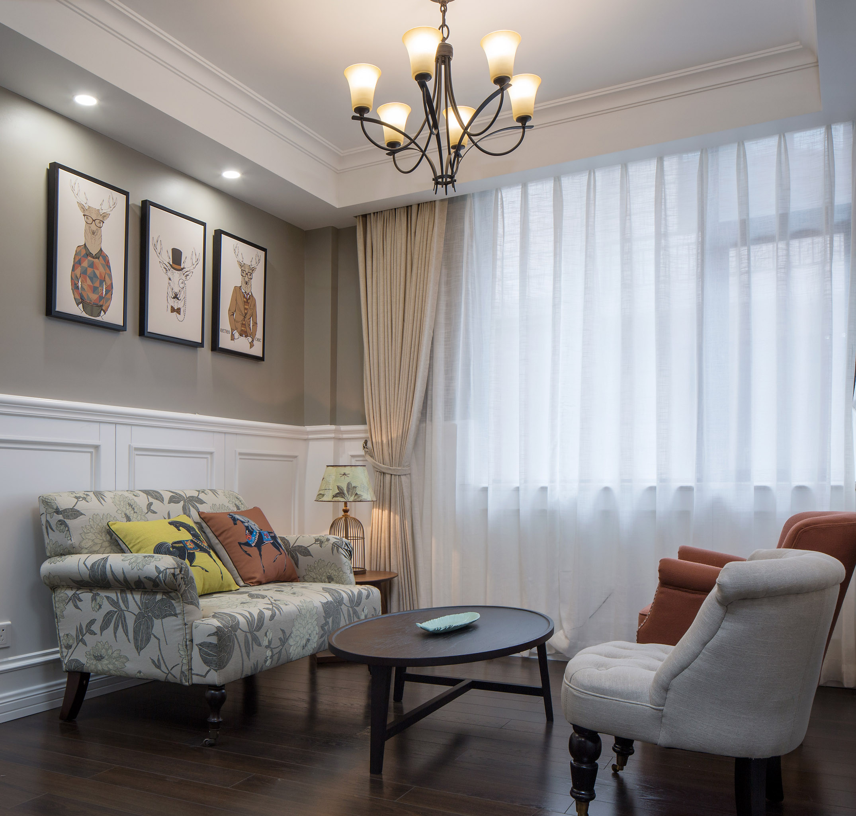 美式别墅设计起居室布置图