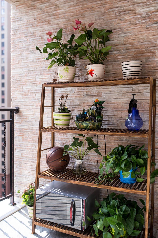 140平混搭四居室装修阳台绿植