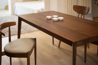 小户型二居室设计餐桌图片