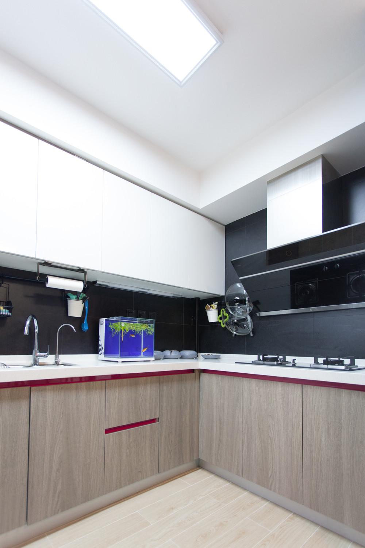 小户型二居室设计厨房搭配图