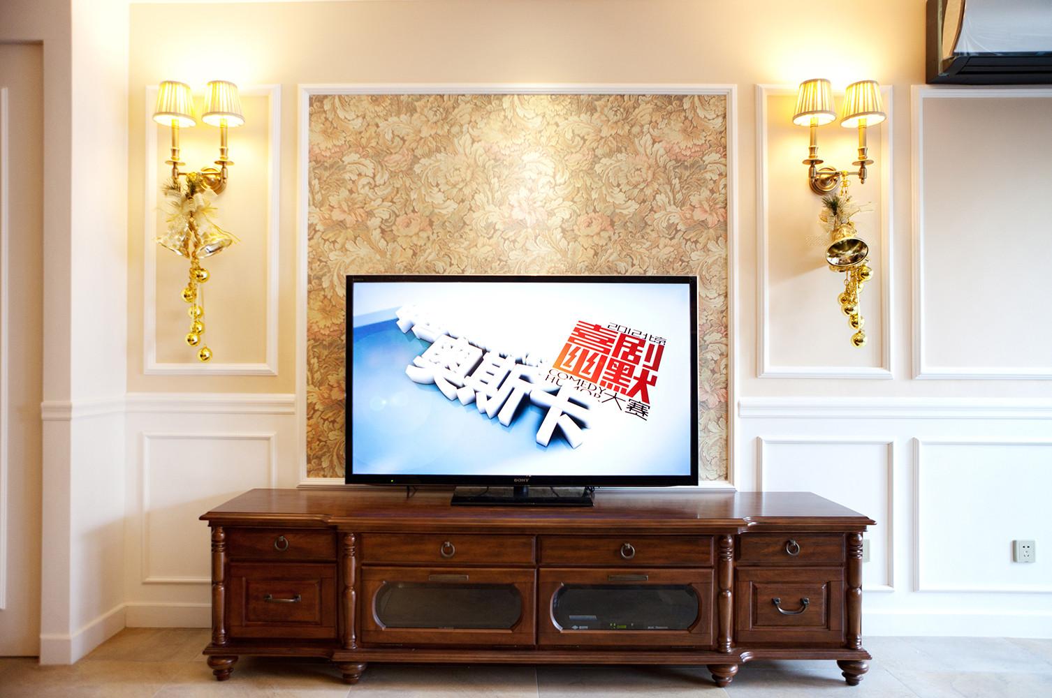 美式风格三居设计电视背景墙图片