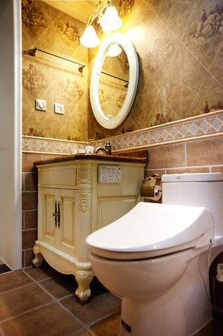 美式风格三居卫生间设计图