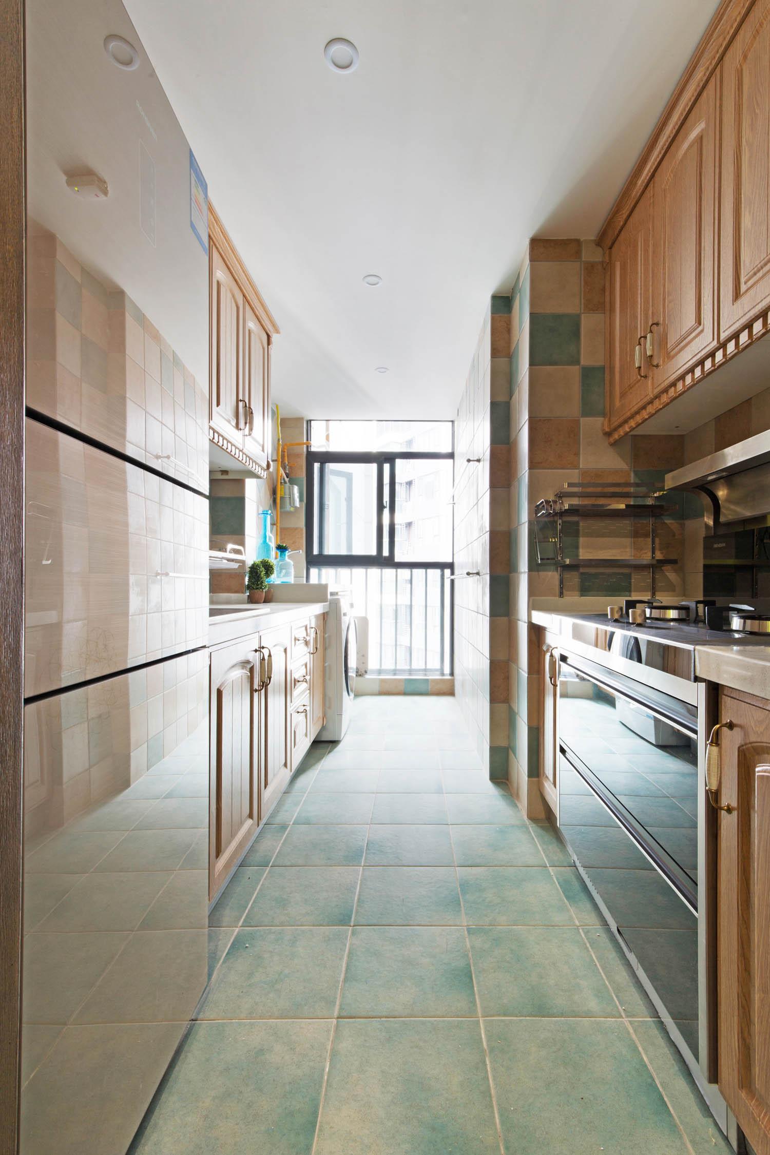 二居室美式装修厨房搭配图