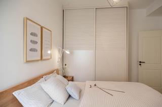 三居室北欧风之家衣柜图片
