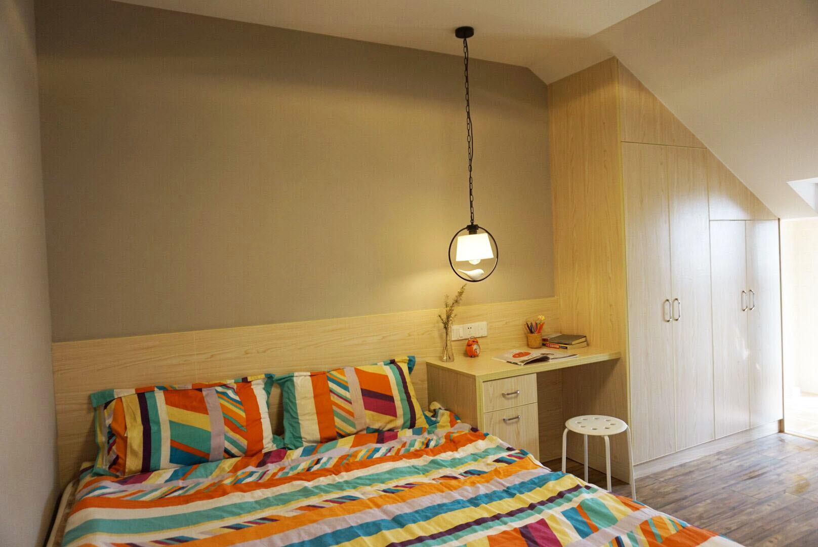 小户型一居室装修卧室设计图