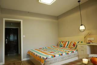 小户型一居室装修卧室背景墙图片
