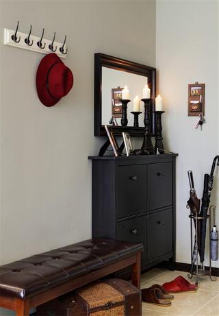 美式风格三居室装修门厅布置图
