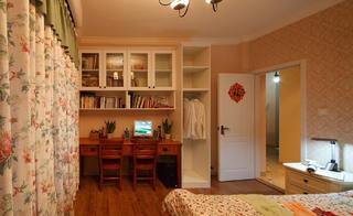 67平简约美式二居装修卧室工作区