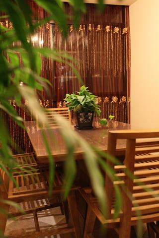 東南亞風格三居餐廳布置圖