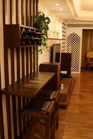 东南亚风格三居吧台设计
