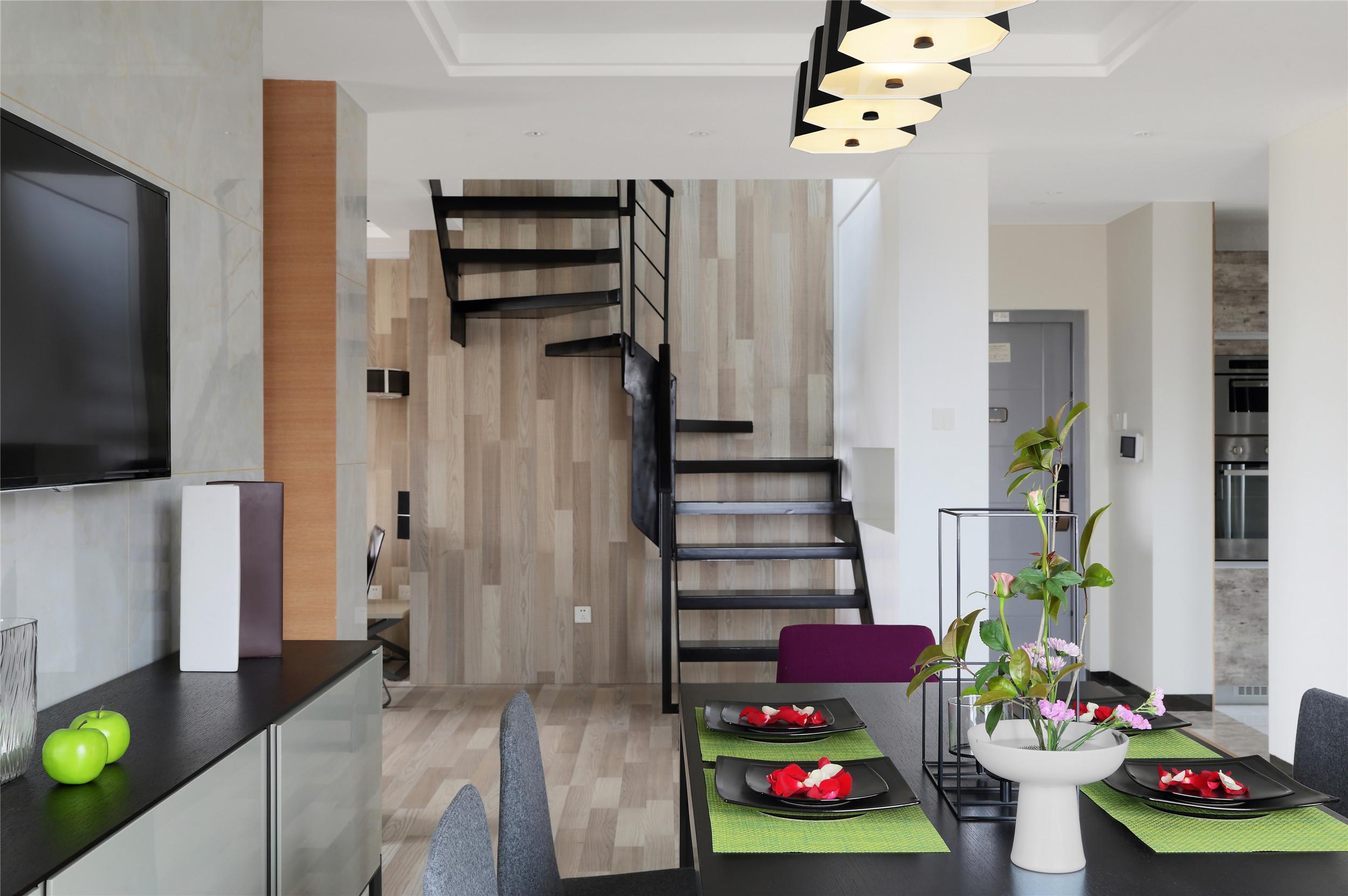 跃层公寓装修楼梯设计