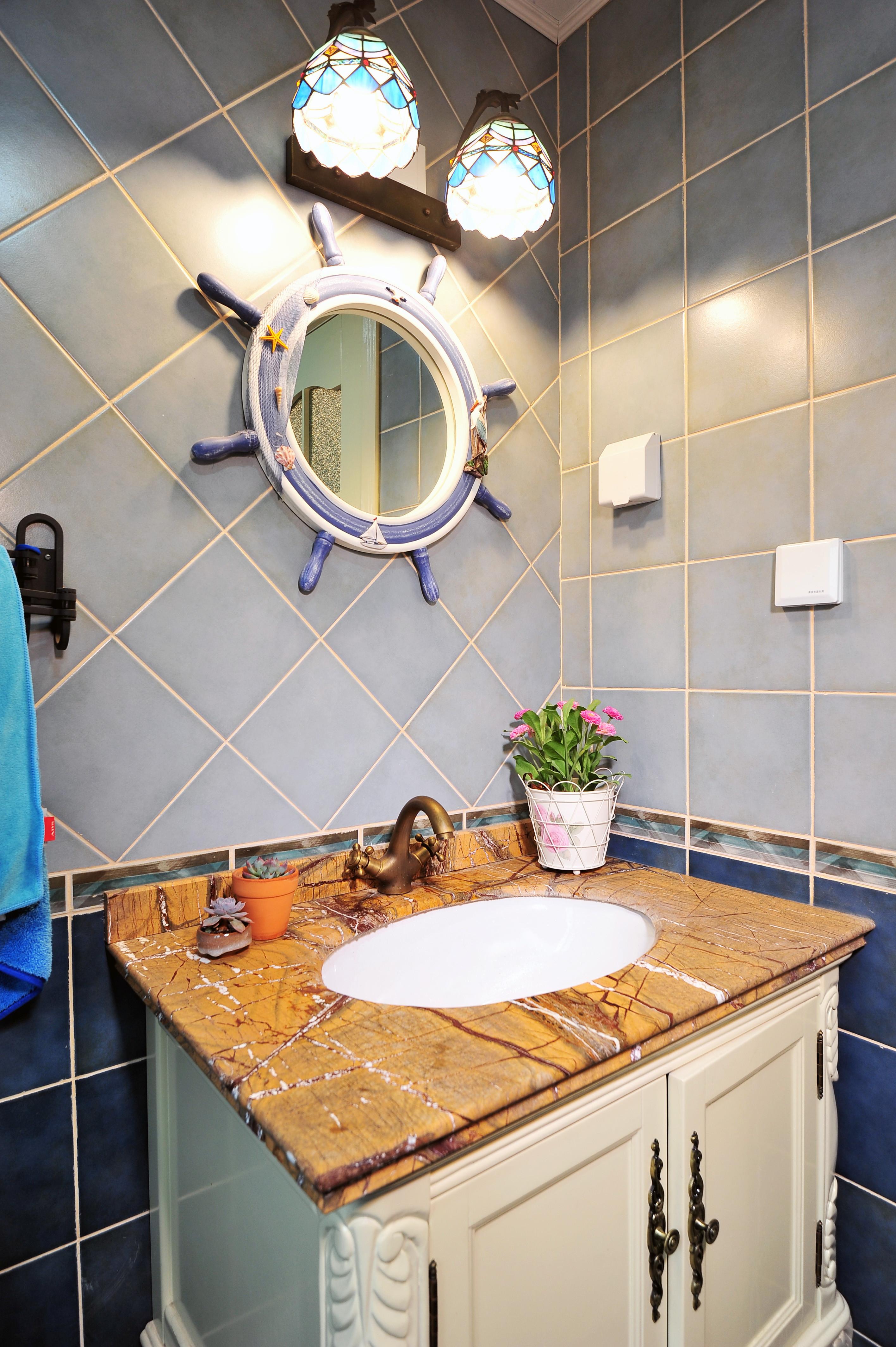 地中海风格二居洗手台装饰设计