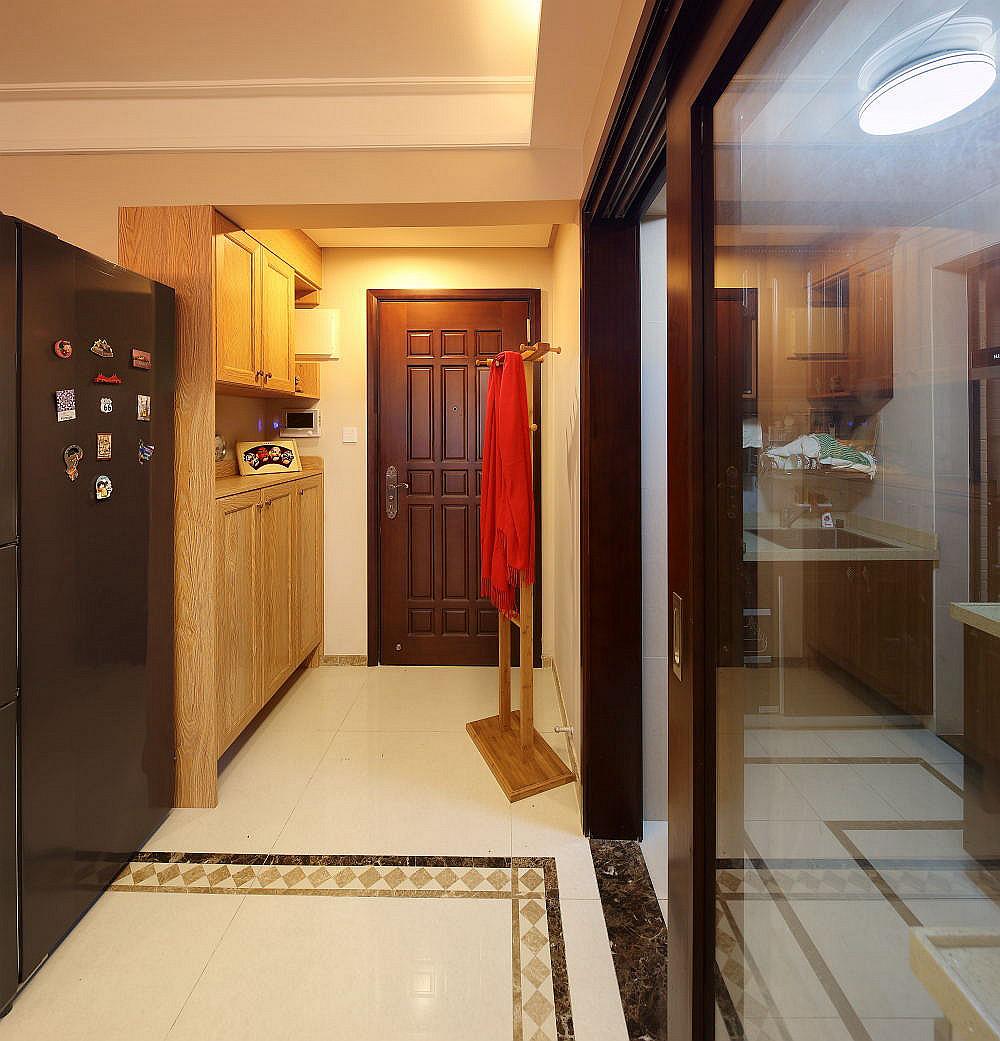 86平混搭二居装修玄关设计