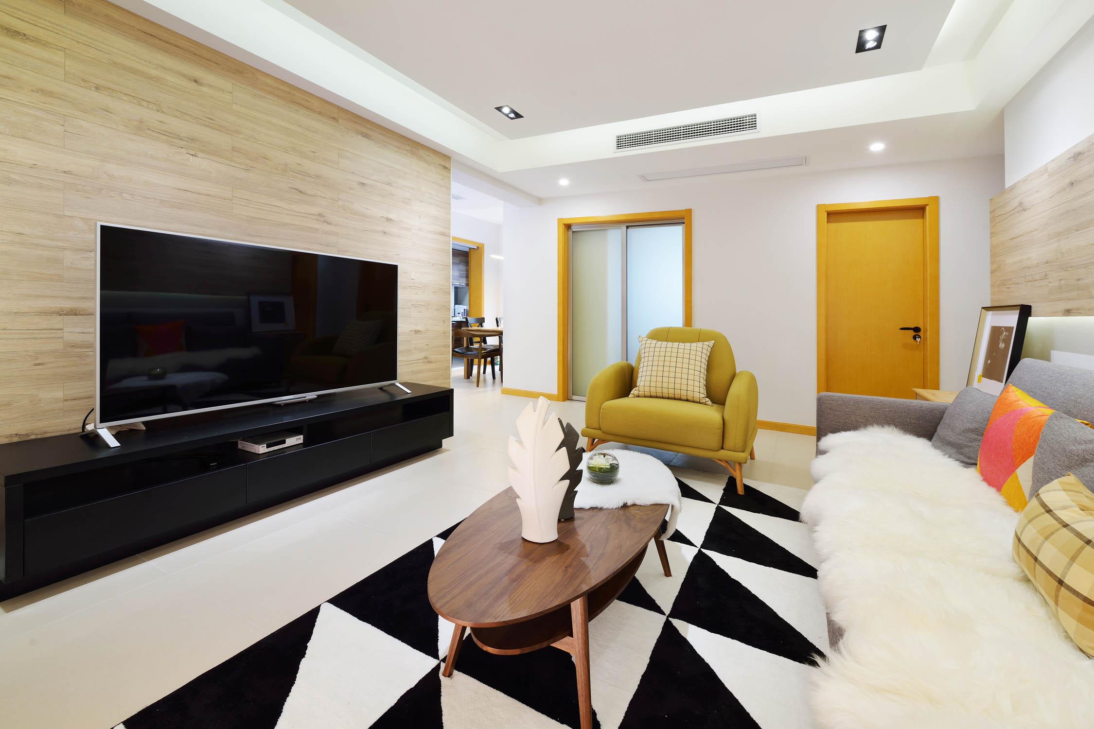 简约三居装修电视背景墙设计