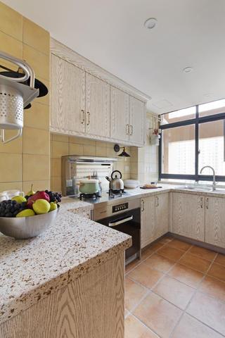 60平美式风格家厨房布局图