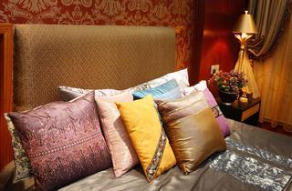 东南亚风格装修抱枕图片