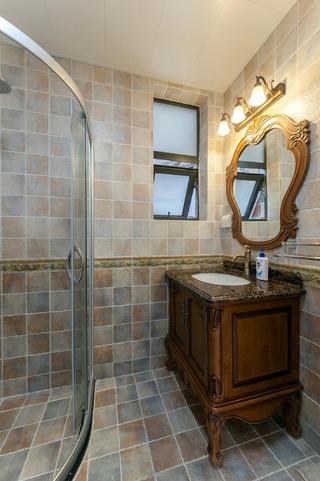 二居室美式风格家浴室柜设计