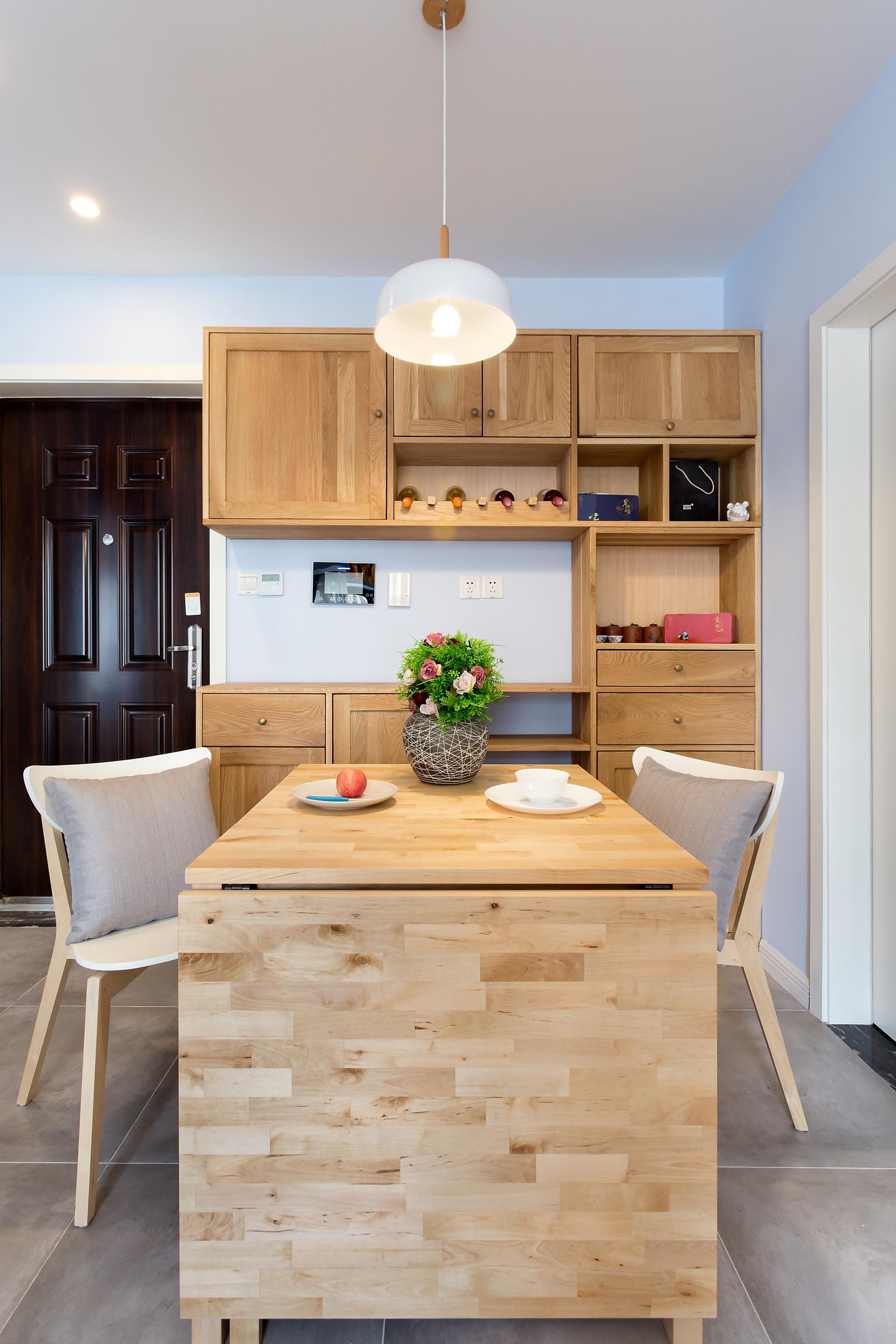 小户型北欧之家餐桌图片