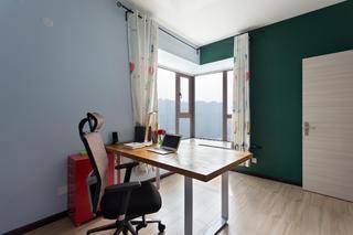 78平简约二居装修书桌图片