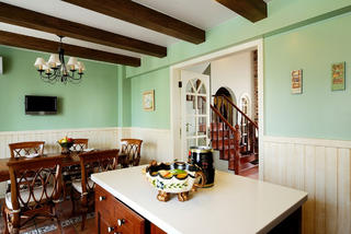 古典美式别墅餐厅背景墙图片
