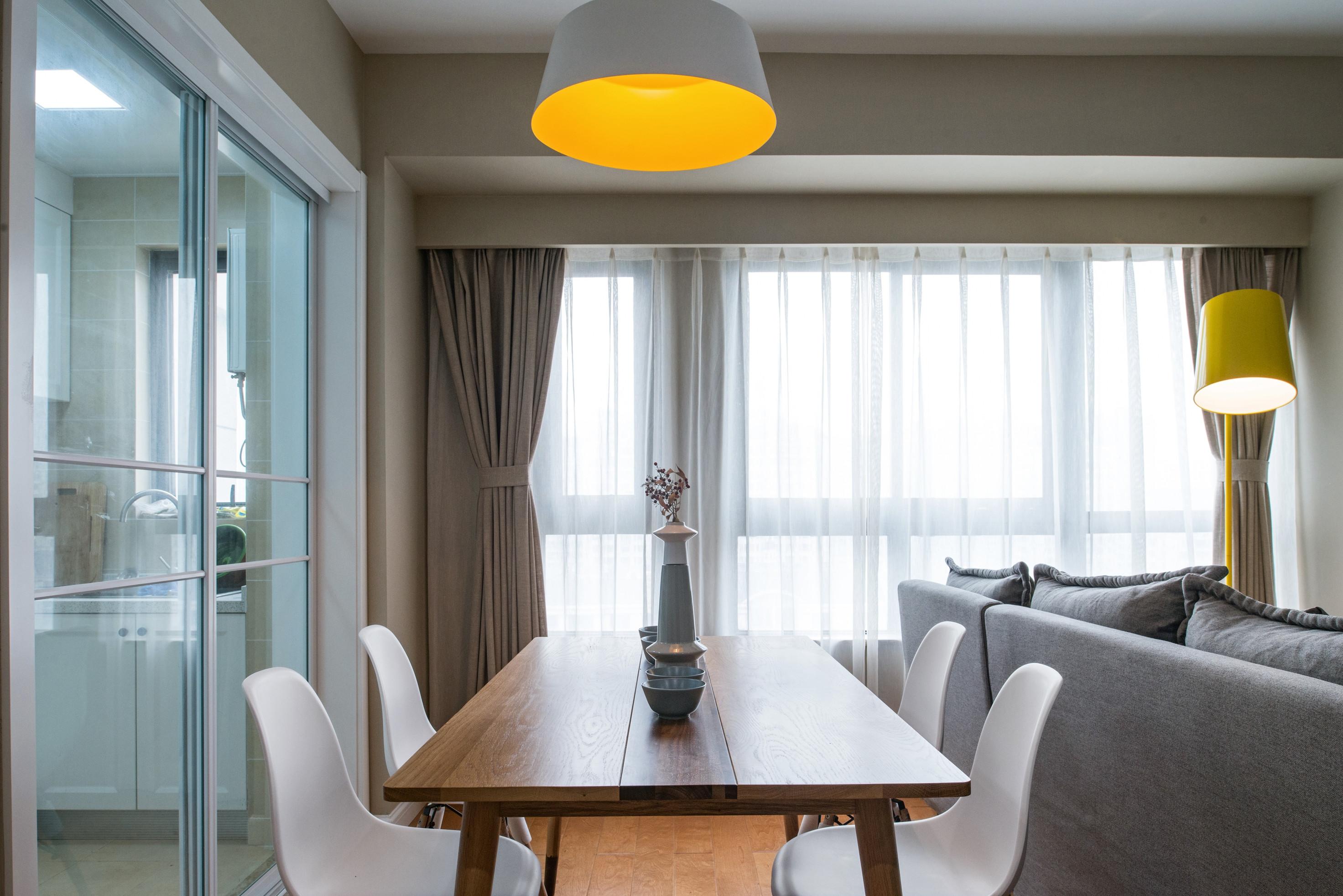 90平北欧风装修餐厅设计图