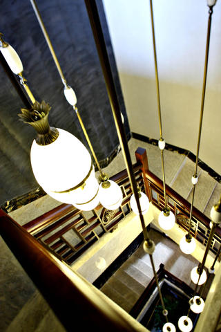 中式别墅装修吊灯图片