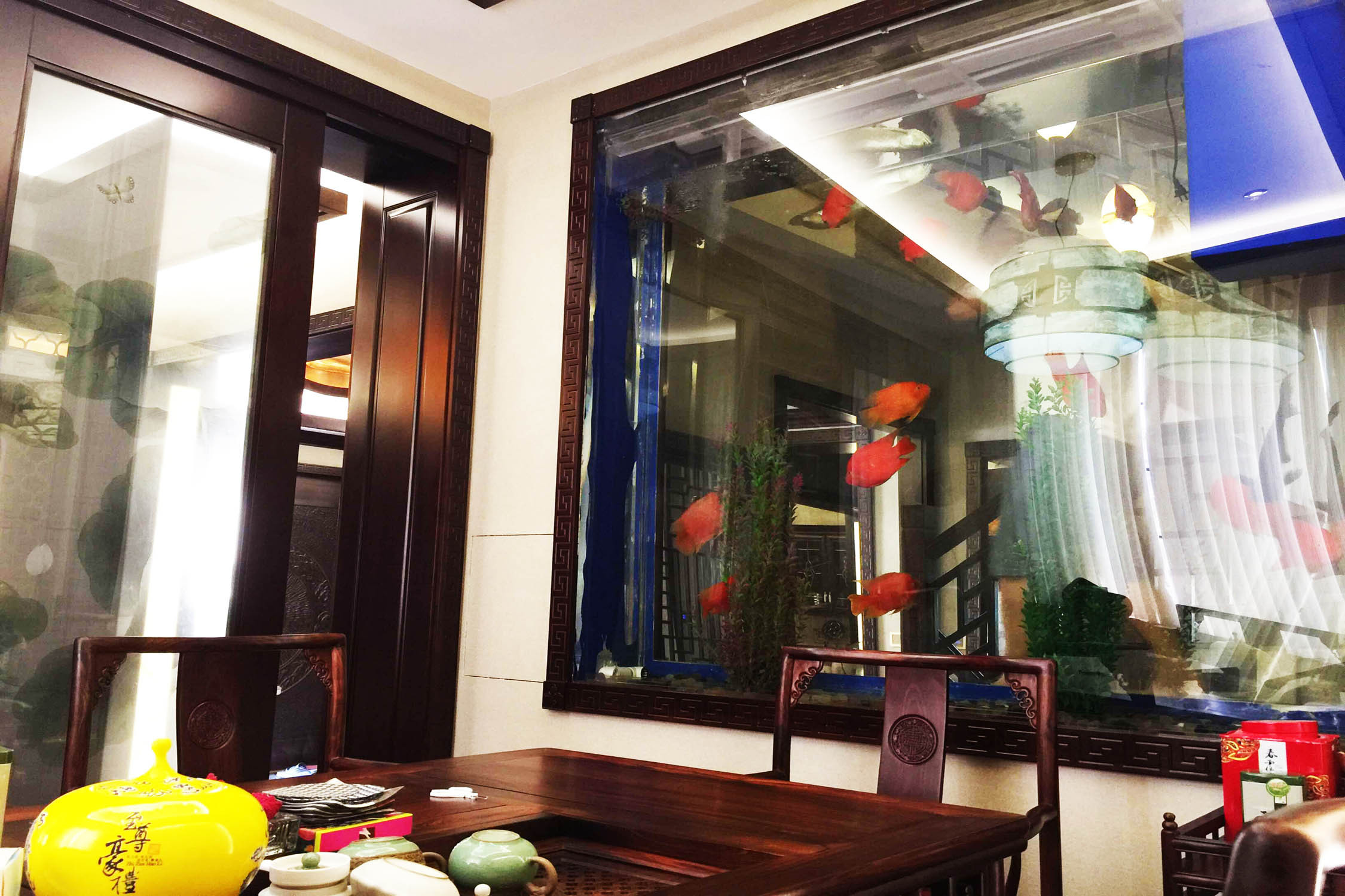 中式别墅装修鱼缸图片