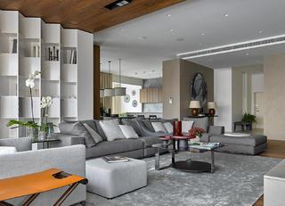 130平三居室装修沙发图片